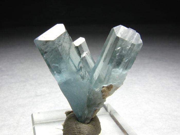 车轮矿,白钨,锡石,黑钨,辰砂,雄黄,菱锰矿,水晶,萤